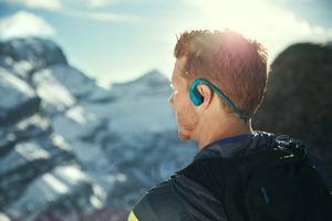 挑战水上运动 你需要一款专业的运动耳机