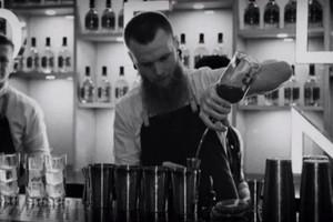 我们向世界最好的酒吧之一问了成功秘诀!