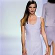 21 个 Kate Moss 在 Calvin Klein 伸展台上的经典时刻